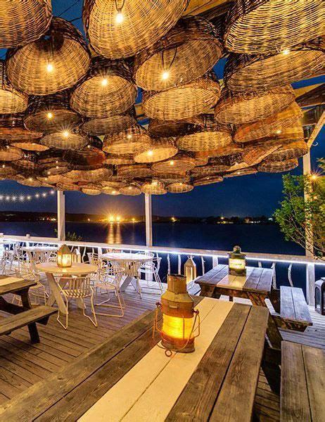 worlds   spectacular waterfront restaurants