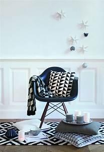 Deco Noir Et Blanc : deco scandinave salon coussin ~ Melissatoandfro.com Idées de Décoration