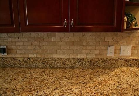 kitchen tile ideas photos best 25 travertine backsplash ideas on brick 6269