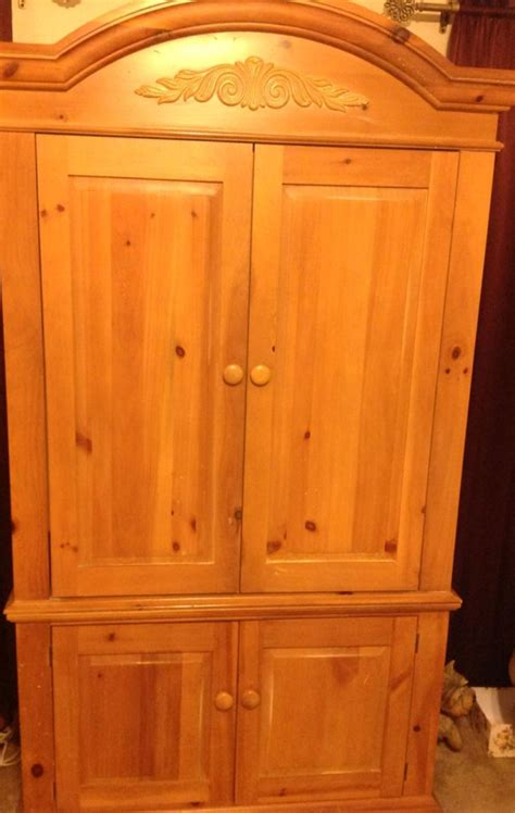 Broyhill Entertainment Armoire Best Gorgeous Broyhill Fontana Distressed Solid Pine