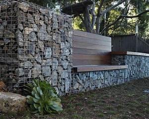Mur En Gabion : un mur en gabion avec un banc en bois int gr gardening ~ Premium-room.com Idées de Décoration