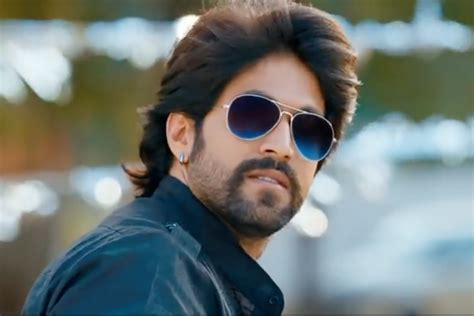 fans   rampage  actor yash arrives hours late