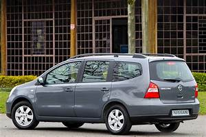 Nissan Grand Livina  Found Totally New And Unique Driving