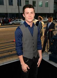 Dylan Minnette Photos Photos - 'Prisoners' Premieres in ...