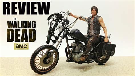 Review Daryl Dixon Com A Moto