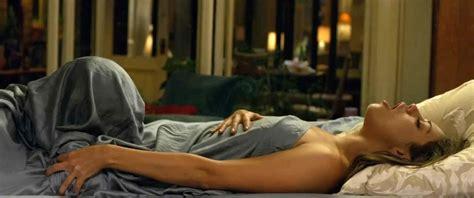 Mila Kunis Sex Scene In Friends With Benefits