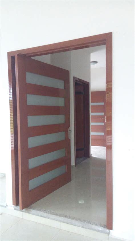 foto puerta principal de cochera de cocinas del sureste