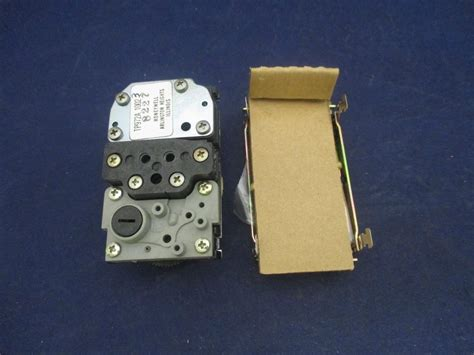 Honeywell Thermostat 2460 by Honeywell Tp972a 1002 3 Pneumatic Thermostat New Process