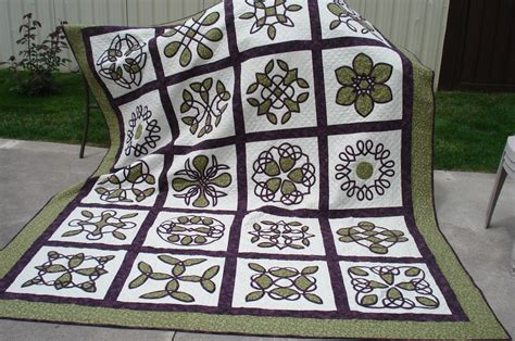 celtic wedding ring quilt pattern celtic wedding quilt finally done quilt with us