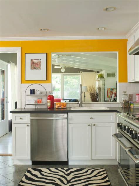 Kuche Farbe Gelb  Cycleharrogateorg  Interior Design