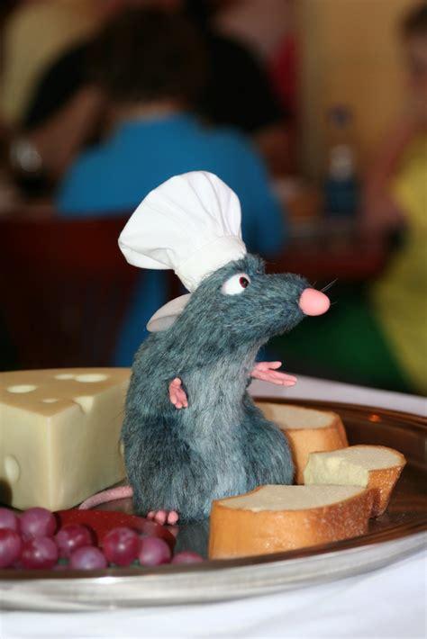 remy  ratatouille  france epcot remy  chef