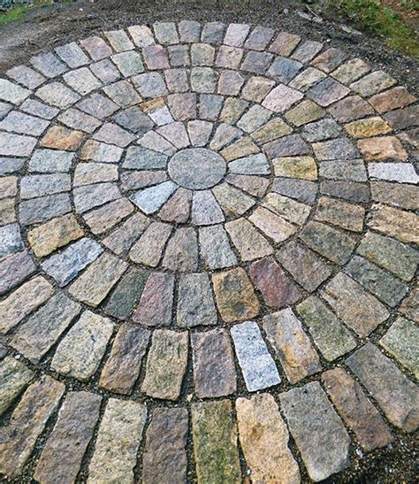 circular paving patterns 25 best ideas about circular patio on pinterest patio backyard seating and round pavers