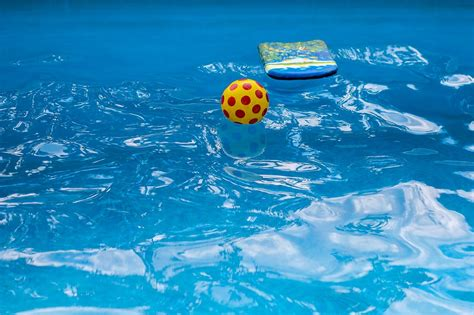 How Much Water Does A Pool Lose In A Day?