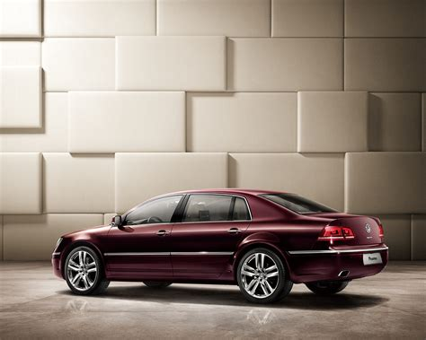 volkswagen phaeton vw phaeton gets a mild makeover in china carscoops