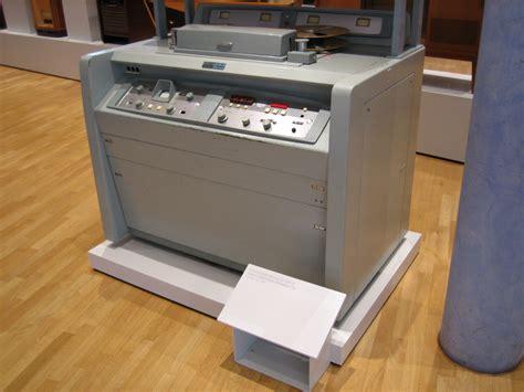 File:Ampex VR 1000-B.JPG - Wikimedia Commons