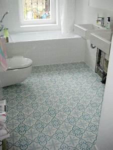 Fliesen Für Bad : bad mit zementfliesen ira badezimmer ~ Michelbontemps.com Haus und Dekorationen