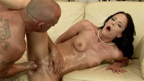 Sex Starved Brunette Liz Gets Her Pussy Fisted Hard
