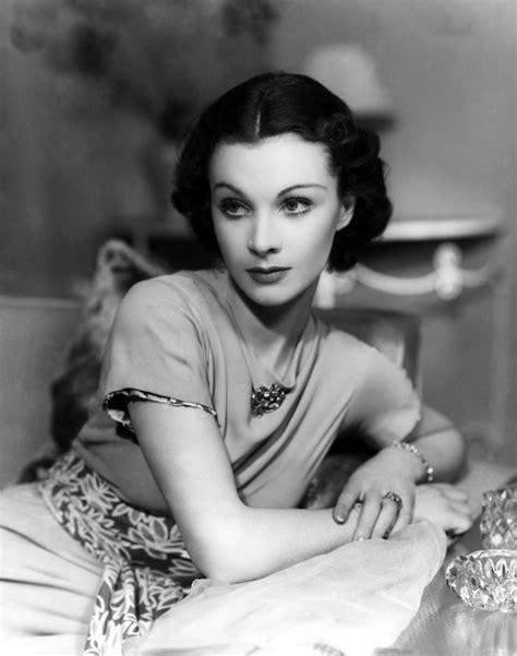 1930s Hairstyles Elegant Waves For Women