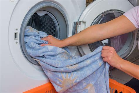 was kann alles zusammen waschen bettw 228 sche waschen 4 tipps haushaltstipps net