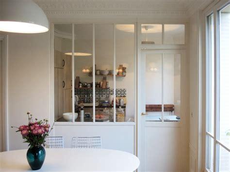 meuble pour separer cuisine salon aménager une cuisine une verrière pour séparer sans