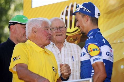 Zijn dochter corinne trouwde met mathieu's vader adrie. Raymond Poulidor seriously ill in hospital | Cyclingnews