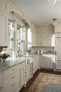 Kitchen cabinet paint color benjamin moore oc 14 natural for Kitchen cabinet trends 2018 combined with how to get iphone stickers