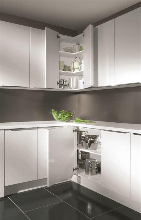 rangement angle cuisine astuces pour meubles d 39 angle cuisiniste aviva