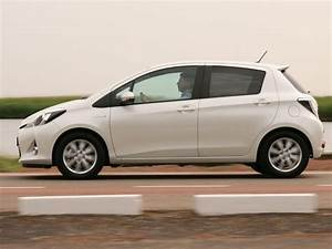 Essai Toyota Yaris Hybride : le prix de la vertu ~ Gottalentnigeria.com Avis de Voitures