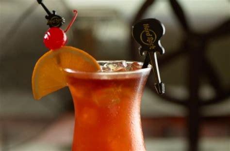 Foodista | Thirsty Thursdays: The Hard Rock's Hurricane