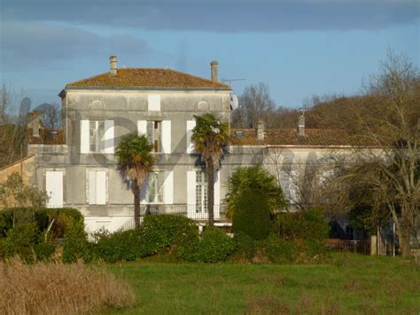 maisons a vendre au bord ou avec vue sur l estuaire de la gironde immobilier meynard