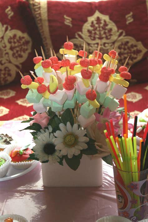 deco cuisine et blanc brochettes de bonbons photo de album chhiwates khadija