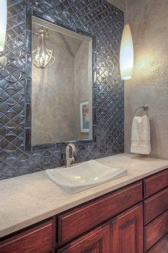 Inset Bathroom Mirror by Best 25 Tile Around Mirror Ideas On Tub