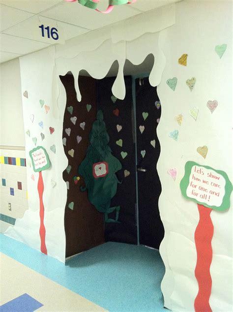 christmas door decoration for six graders mr grade door contest