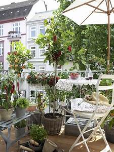 Balkonmöbel Für Kleine Balkone : die besten 17 ideen zu kleine balkone auf pinterest ~ Bigdaddyawards.com Haus und Dekorationen