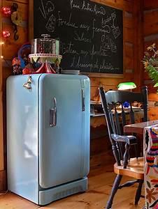 Küchenmöbel Neu Streichen : retro k hlschr nke f hren einen hauch nostalgie in die k che ein ~ Bigdaddyawards.com Haus und Dekorationen