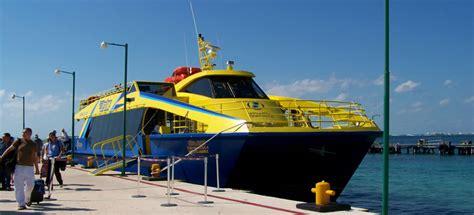 Llegar Un Barco A Puerto by 191 C 243 Mo Llegar A Isla Mujeres Ferry A Isla Mujeres Gran
