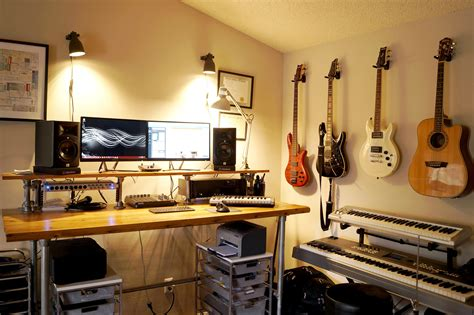 Home Recording Studio : 11 Must-haves For Your Home Recording Studio [infographic]