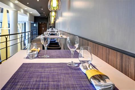 restaurant porte d orleans lobby d entr 233 e salon picture of novotel 14 porte d orleans tripadvisor