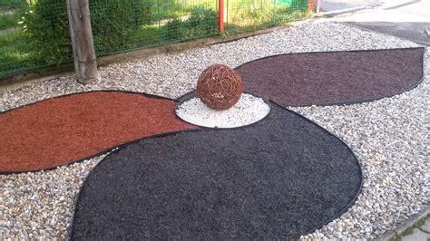 Pilze Im Garten Durch Rindenmulch by Cemwood Steine Im Garten Shop