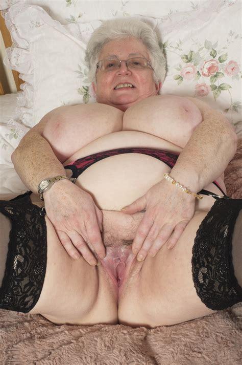 Granny Pics Slut Photo Grannies Big Ass Slut Shows Big Boobs