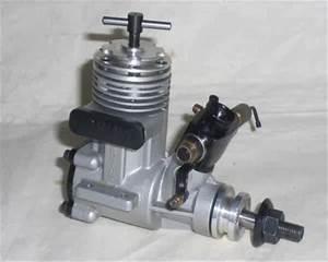 Vintage Model Airplane Engines Running  Irvine 20 Diesel