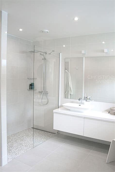White Bathroom Tile Ideas by Christine E Sveen Bad Til Inspirasjon Bathroom Design