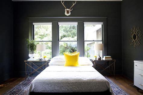 bed  front  window design ideas