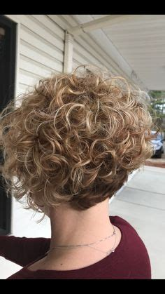 hottest short curly hairstyles trending   curly