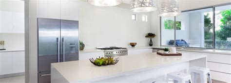 contemporary kitchens with white cabinets modern kitchens handleless kitchens high gloss kitchens 8322