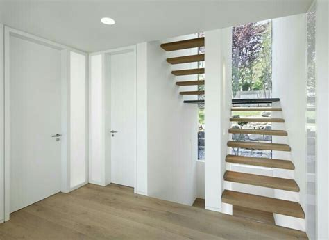 Podesttreppe Mit Wand by Pin Huga Auf Holzt 252 Ren Treppe Haus Podesttreppe Und