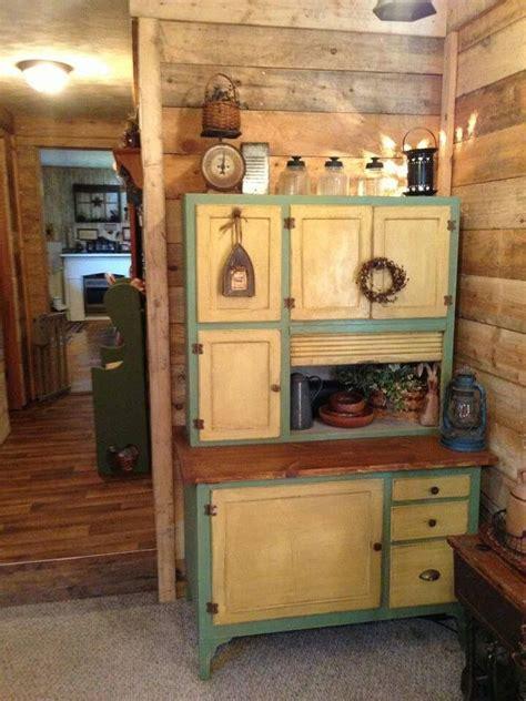 pin  angela robb   home vintage kitchen cabinets