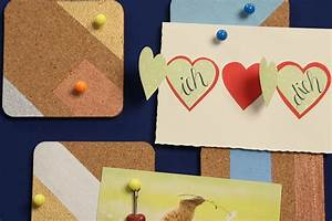 Bilderrahmen Kreativ Gestalten : moderne pinnwand selber machen mit kork und stoff ~ Lizthompson.info Haus und Dekorationen