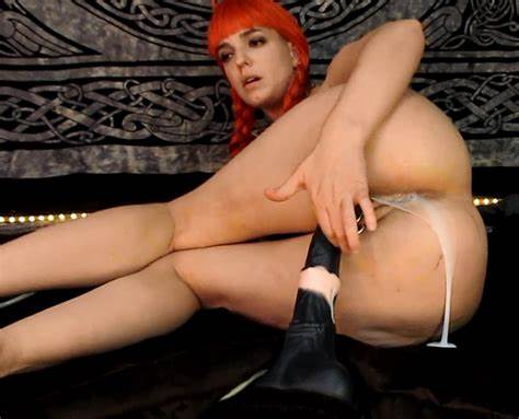 Impressive Girls Is Poundings A Horse Dildo