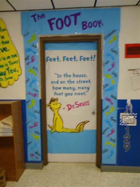 dr seuss door decorating contest pictures dr seuss door decorating contest ideas bookshelf